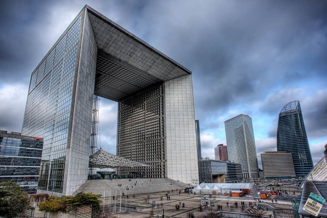 La Grande Arche de la Defense - La Defense in Paris - Ken Kaminesky