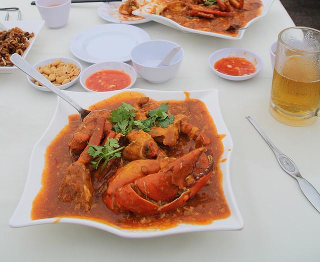 Singapore hawker food culture - chili crab