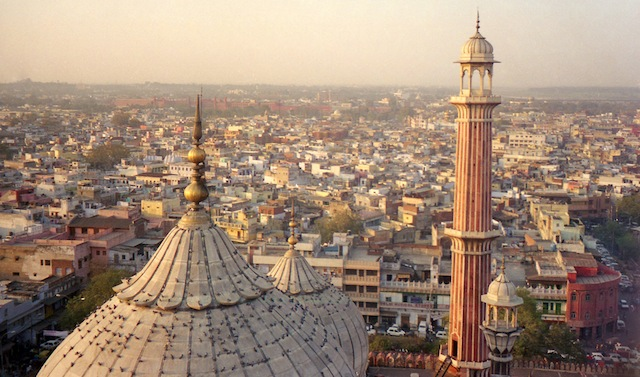 Delhi Delhi: An Intricate Guide to the Citys Past and Present