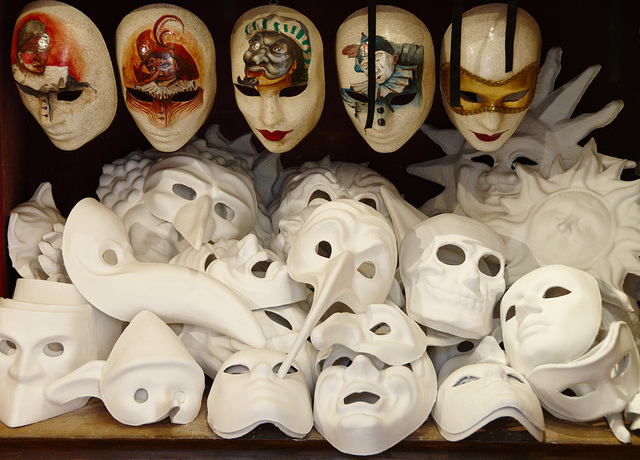 venetian masks 25 Ultra Local Experiences in Italy