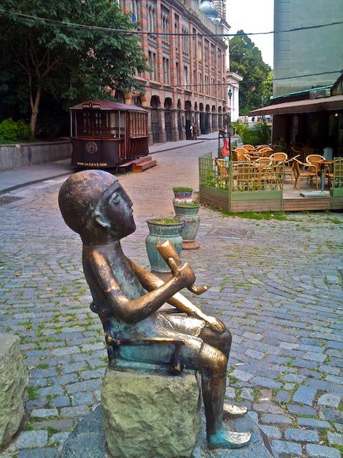 Statue of tamada