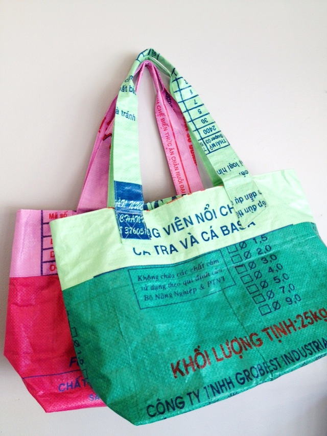 Eco-chic totebags from recycled rice and feed bags (Cambodia)